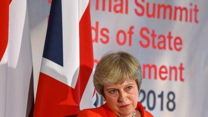 """Theresa May dreigt in onverwachte toespraak: """"Geen deal is beter dan slechte deal"""""""