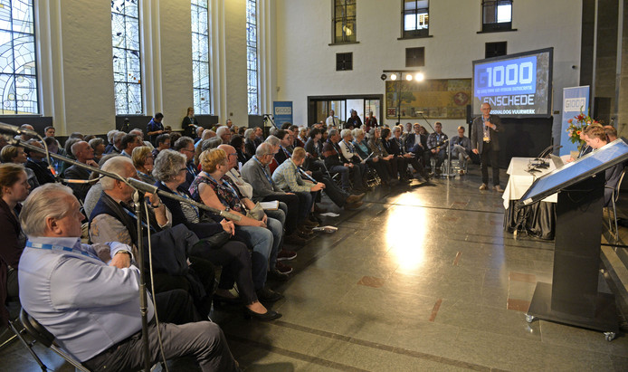 Enschede spreekt zich uit over vuurwerk in de G1000 discussie en komt met voorstellen.