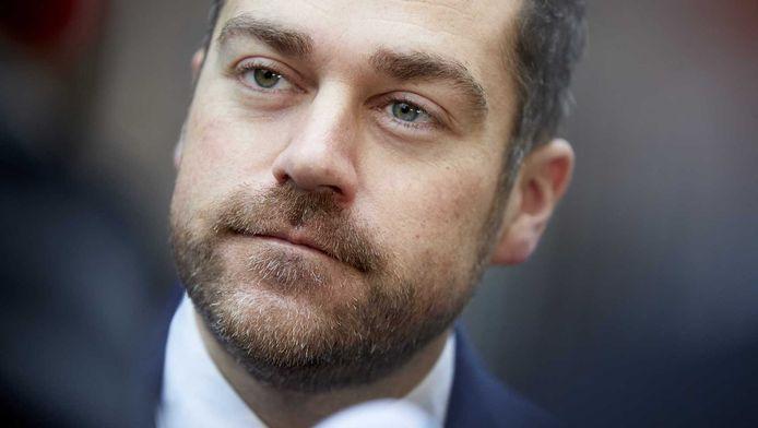 Staatssecretaris Klaas Dijkhoff van Veiligheid en Justitie arriveert op het Binnenhof in Den Haag voor de wekelijkse Ministerraad.