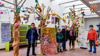 Basisschool Atheneum zorgt voor gedichten tussen bomen