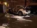 In de Genuastraat in Vorst brandde een Porsche uit.