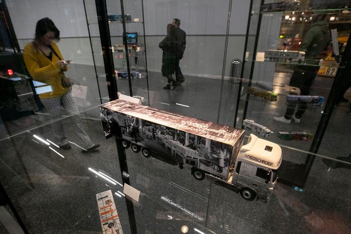 In de nieuwe aanbouw van hetDAF Museum is de expositie The Art of Nedschroef te zien.