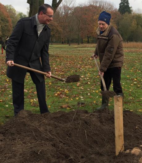 Een boom voor de jarige: het Tilburgse Leijpark bestaat 80 jaar
