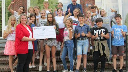 Fluo-Flits-Fuif brengt 800 euro op voor Benefits4Kids