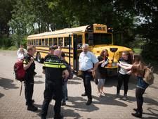 Tha Bus daagt jongeren uit hulp te vragen