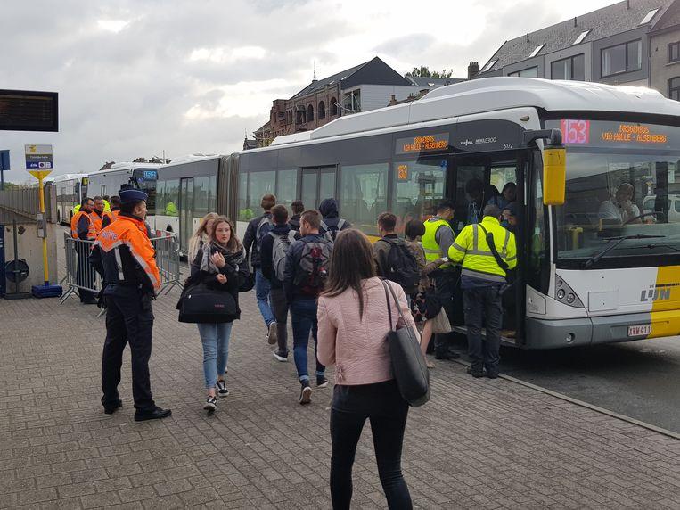 Grote Controleactie Aan Station Halle Binnenland Nieuws Hln