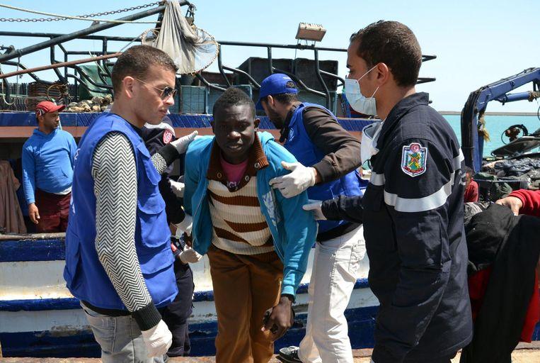 Migranten komen aan in Zarzis, Tunesië, toen het wel nog vluchtelingen toeliet. Archieffoto.