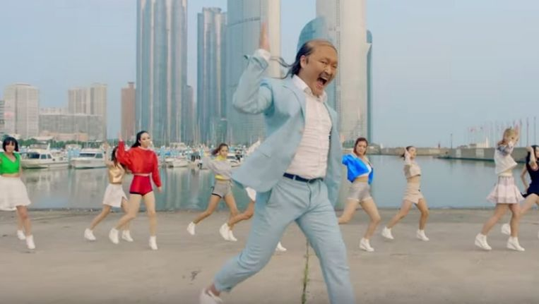 Psy in actie voor zijn nieuwe videoclip. Beeld Screenshot YouTube