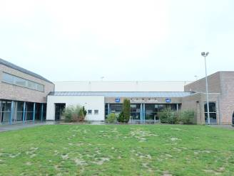 Lekkend dak sporthal Sportcube wordt volledig vernieuwd