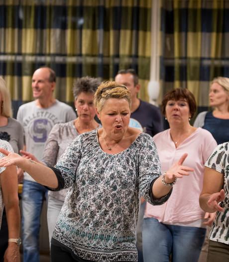 Nog 2 weken oefenen voor het jubileumconcert van Borns koor