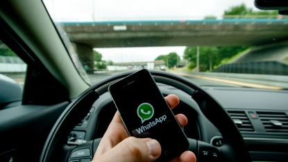 Kwart Belgen geeft toe achter het stuur soms sms te sturen of lezen