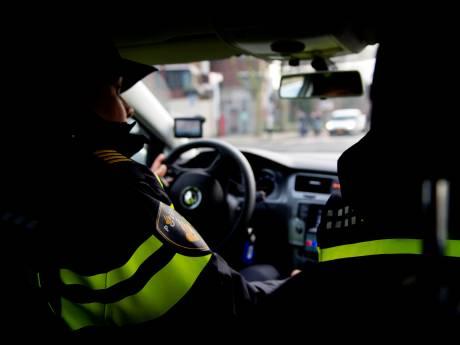 Klant bedreigt chauffeur en gaat er met zijn taxi vandoor