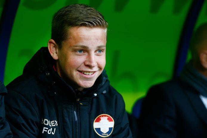 Frenkie de Jong op de bank bij Willem II, hij speelt nu voor FC Barcelona