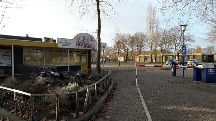 Entree van Vakantiepark Droomgaard aan de Van Haestrechtstraat in Kaatsheuvel.