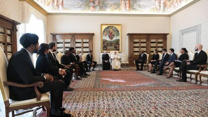 Paus Franciscus ontvangt NBA-sterren die voor boycot competitie zorgden