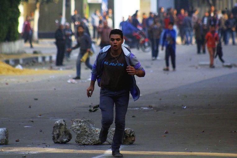 Egyptische aanhangers van de Moslimbroederschap gisteren in Caïro. Beeld epa