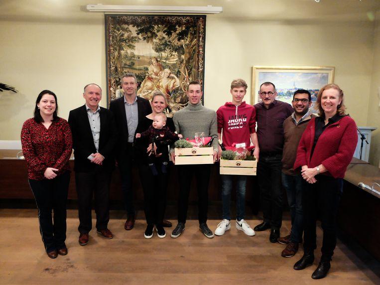 Een delegatie van het schepencollege met Sweeck en Uytterhoeven