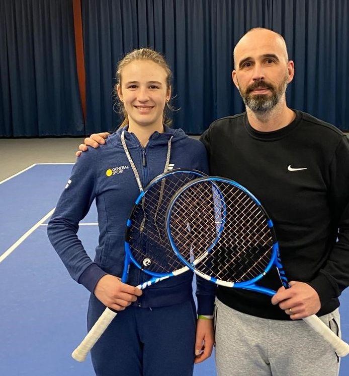 Tommy Huysegoms begeleidt dochter Anastasia. Einde deze week gaat het naar Servië.