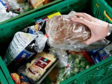 Geluk bij een ongeluk: eten voor voedselpakketten na brand in supermarkt