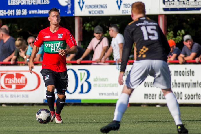 Tom Overtoom tijdens zijn debuut voor NEC tegen de amateurs van Alverna.