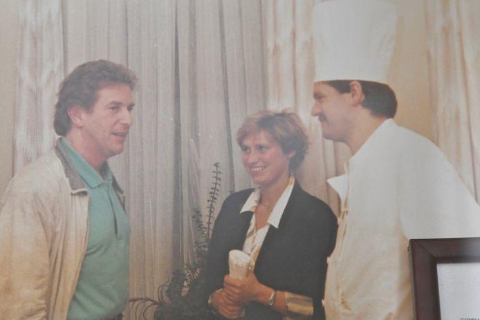 Na 32 jaar eindigt het liedje van de Gouden Kroon. Ook Will Tura kwam er destijds proeven van de kookkunsten van Lieven Defieuw.