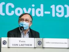 """Le Centre de crise: """"Plus de jeunes contaminés, c'est moins d'hospitalisations mais aussi plus de risques de contaminer des personnes vulnérables"""""""