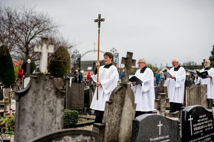 Tiel 02/11/2019 Allerzielen op de begraafplaats aan de J.D. Van Leeuwenstraat iov Gelderlander foto Raphael Drent