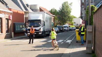 Honderden leerlingen leggen fietsexamen af