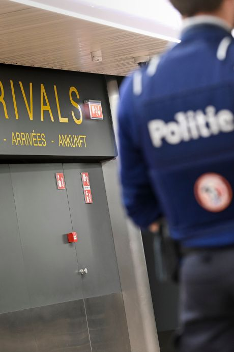 """Les gouvernements examinent le dernier conseil du GEMS: """"Interdire les voyages non essentiels ou mettre en quarantaine chaque voyageur"""""""