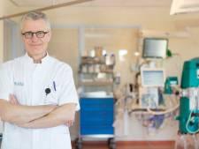 Deze beademingsspecialist van Isala helpt doodzieke corona-patiënten aan zuurstof