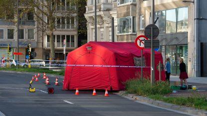 Man (26) sterft nadat hij aangereden wordt door taxibusje in Antwerpen