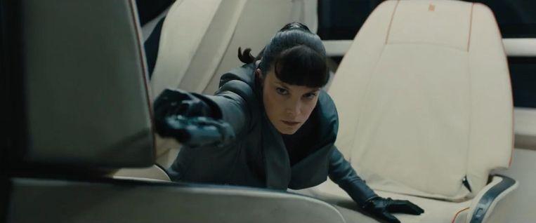 Sylvia Hoeks in Blade Runner 2049. Beeld