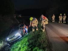 Foutje: automobilist belandt op busbaan en komt in de sloot terecht bij Ressen