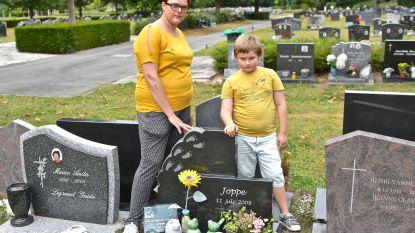 """Mama stelt opnieuw diefstal vast op grafzerk sterrenkindje: """"Dit is zo respectloos"""""""