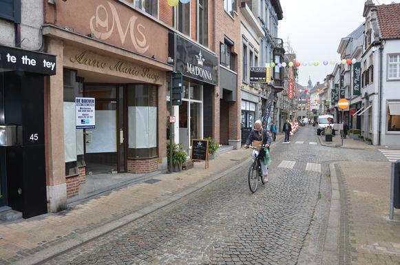 De Kerkstraat in Lokeren is al een fietsstraat: de stad wil nog meer centrumstraten omvormen tot een fietsstraat.