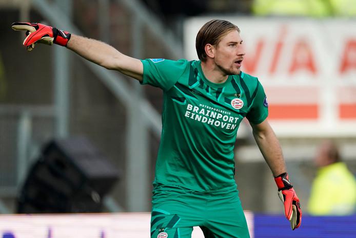 Lars Unnerstall tijdens zijn debuut voor PSV tegen Willem II.
