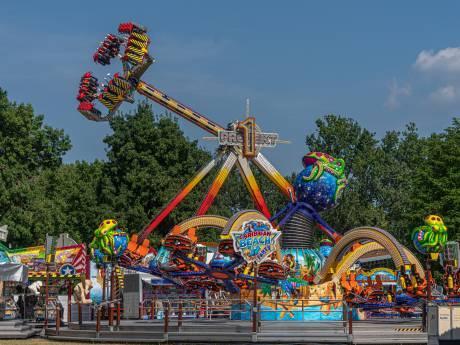 Zomers zwieren in Zwolle dankzij kermis in het park: 'minder sfeer dan de binnenstad, wel veiliger'