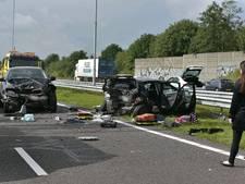 A58 naar Tilburg urenlang dicht na groot ongeluk, jongetje zwaargewond