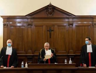 Voormalig hoofd van bank Vaticaan krijgt bijna 9 jaar cel