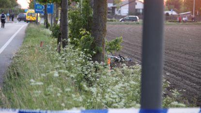 Fietser (42) sterft na aanrijding in Wielsbeke, aanrijdster (25) rijdt verder maar geeft zich snel aan