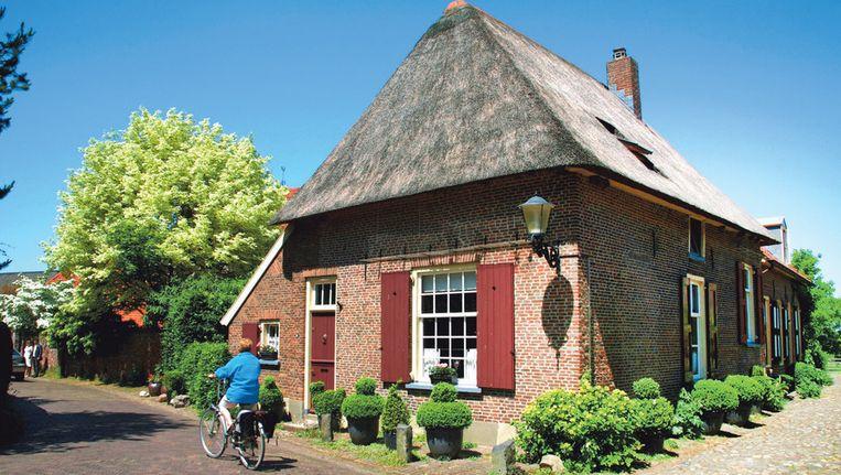 Bronkhorst is met zijn 170 inwoners het kleinste stadje van Nederland.