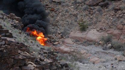 Britse vrienden crashen boven Grand Canyon op trip naar Las Vegas om 30ste verjaardag te vieren: jarige, zijn vriendin én zijn broer komen om