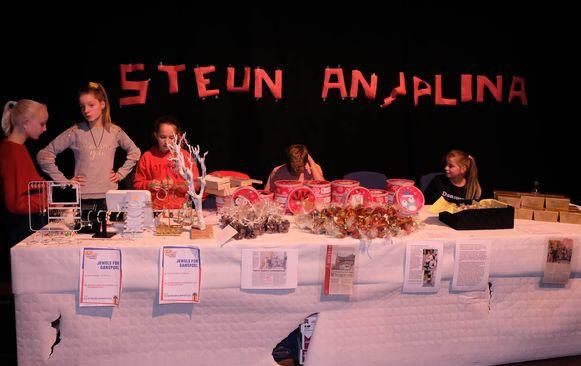 Vrijwilligers verkochten allerlei lekkers.