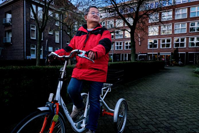 Gideon durft sinds kort weer alleen tochtjes te maken op zijn fiets.