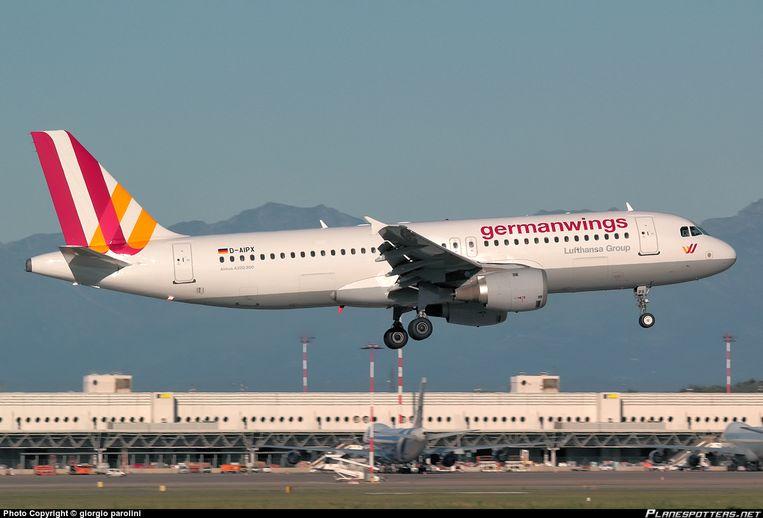 Het neergestorte vliegtuig werd in 1990 geleverd.