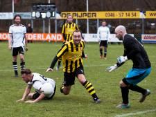 Blunderende doelman van IJFC helpt Maarssen in het zadel