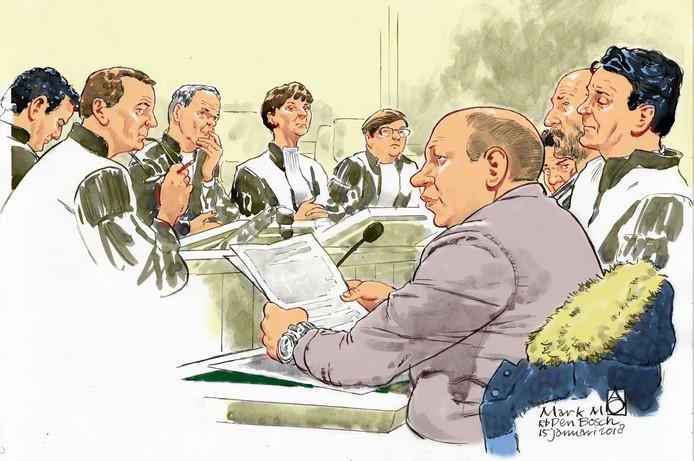 Politiemol Mark M. in de rechtbank.