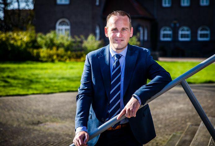 Burgemeester Bram van Hemmen van de Hoeksche Waard.