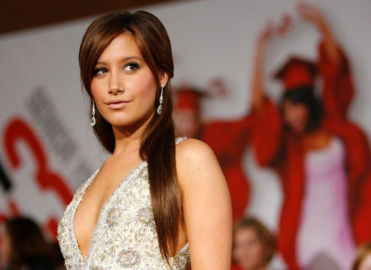 Ashley Tisdale brengt voor het eerst in negen jaar een single uit.