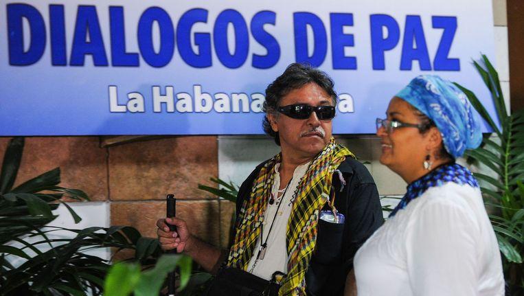Twee commandanten van de Farc arriveren in Havana voor vredesoverleg met de Colombiaanse regering. De foto is van 9 november. Beeld afp